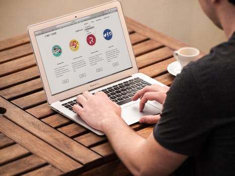 Why Every Financial and Insurance Advisor Needs a Website