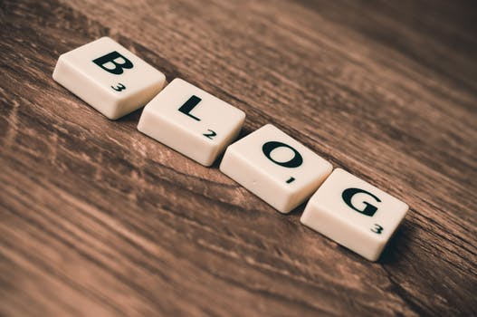 Financial Advisors: How To Come Up With Blog Topics in 60 Seconds