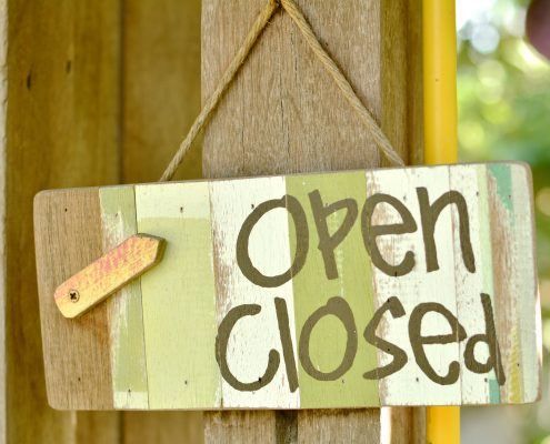 Open Source vs. Closed Source Software – What's the Difference?